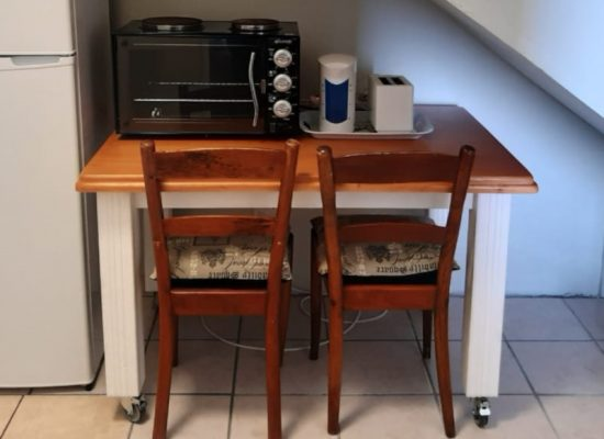 Seagull Kitchenette table